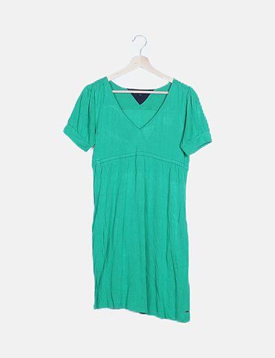 Vestido verde evasé