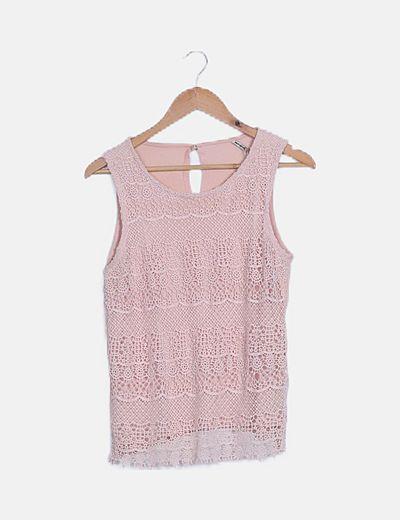 Camiseta rosa crochet