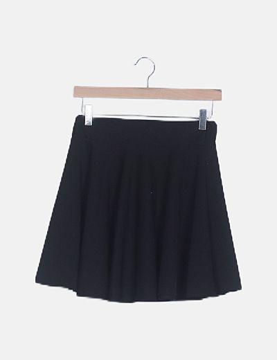 Falda negra mini evase