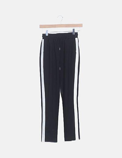 Pantalón baggy negro bandas laterales