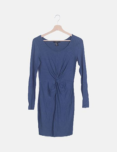 Vestido fluido azul drapeado