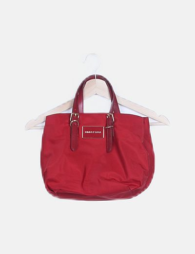 Bolso shopper rojo detalle hebilla