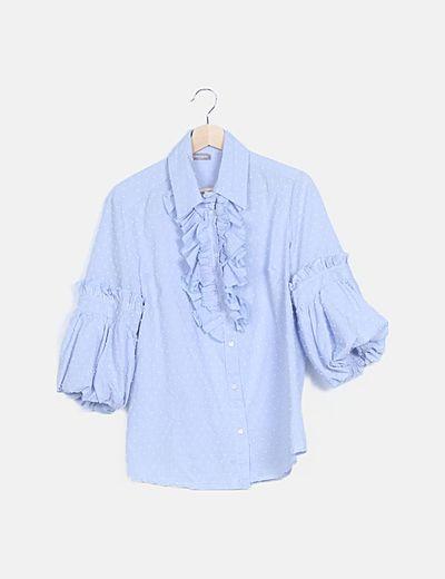 Camisa azul motas chorreras