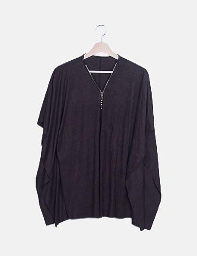 Camiseta de antelina marrón manga murciélago