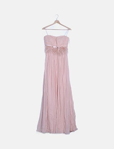Vestido maxi rosa detalle plumas