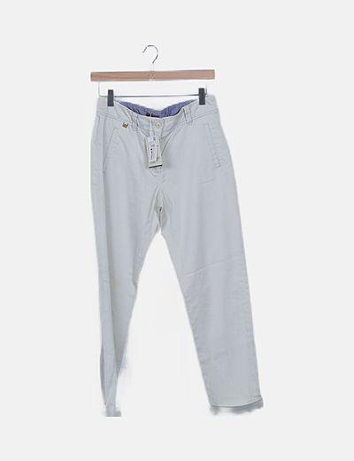 Pantalón estilo chino beige