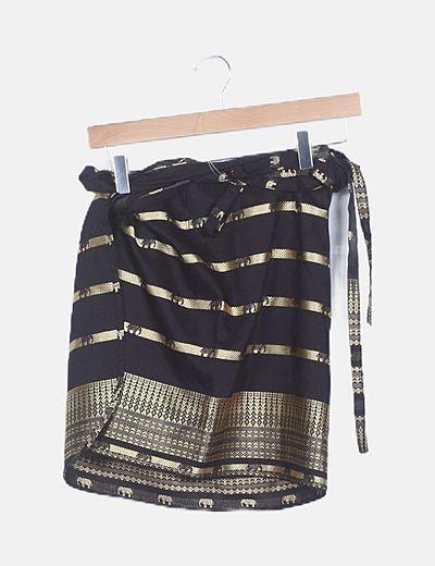 Falda negra estampado étnico