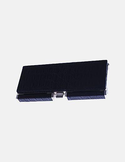 Clutch charol negro animal print