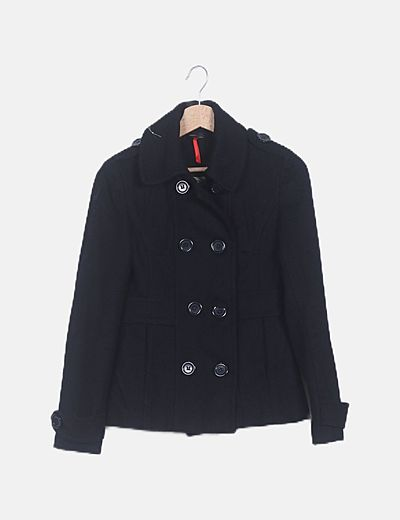Chaqueta negra con botones