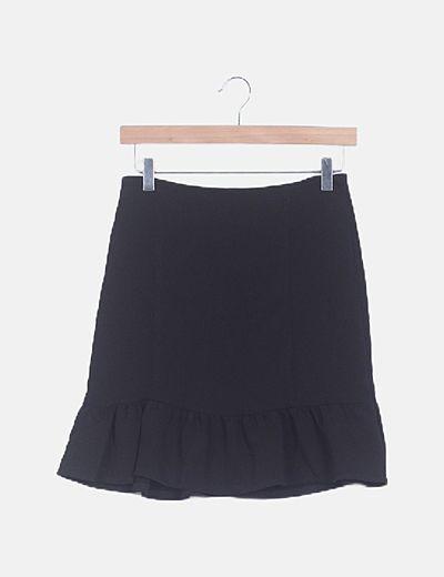 Mini falda negra con volante