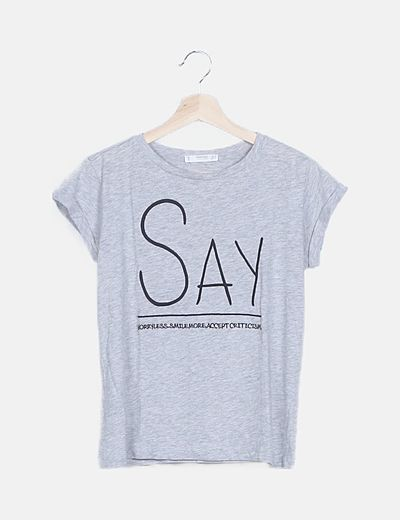 Camiseta gris bordado