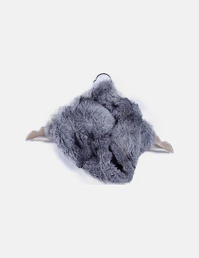 Cuello gris pelo sintético