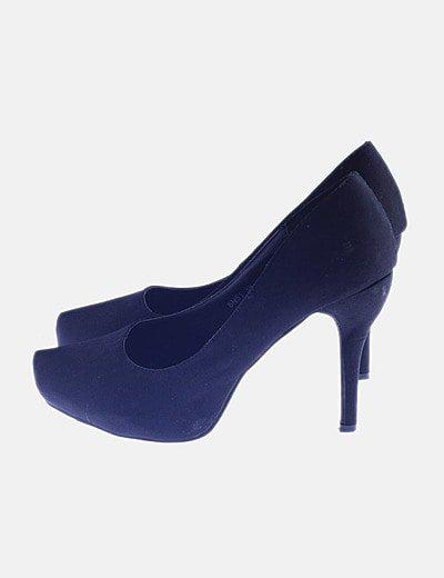 Zapato de salón negro