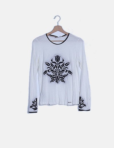 T-shirt Tinavina