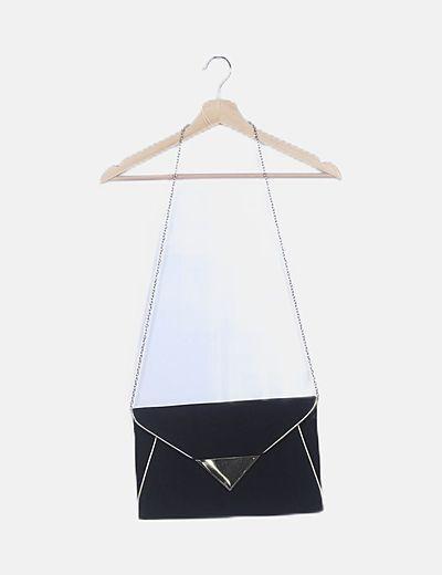 Bolso sobre negro con antelina