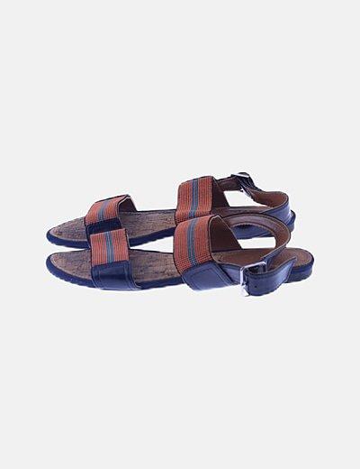 Sandalia azul marino y naranja