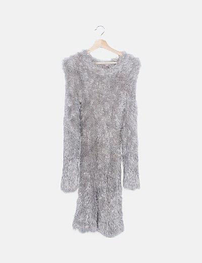 Vestido pelo gris