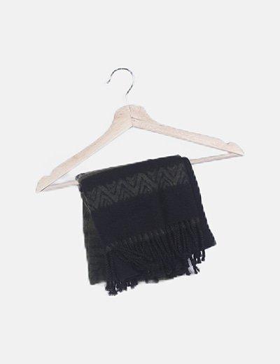 Bufanda negra estampada de flecos