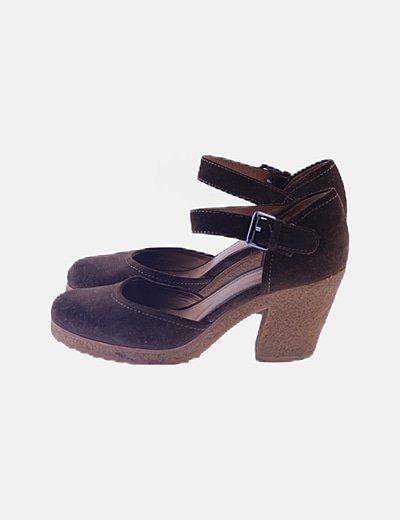 Zapato serraje marrón hebilla