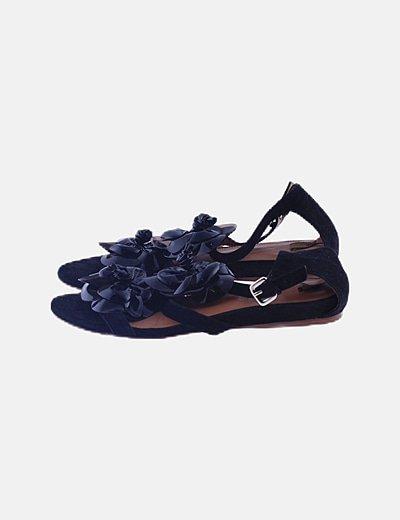 Sandalias negras floral charol