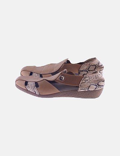 Sandalia cangrejera marrón animal print