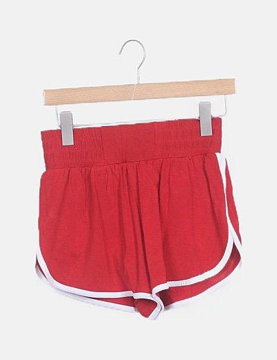 Short deportivo rojo