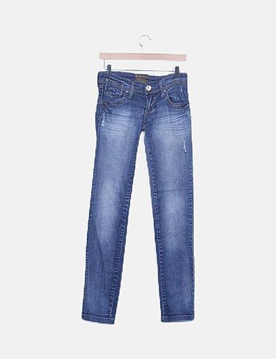 Jeans denim desgastados