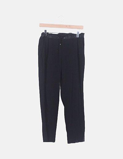 Pantalón negro baggy
