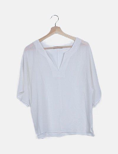 Blusa fluida blanca escote pico