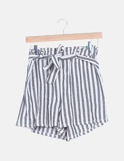 Pantalón corto de rayas lace up
