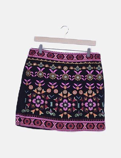 Mini falda negra bordados multicolor