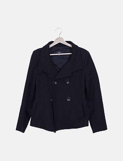 Abrigo corto negro texturizado