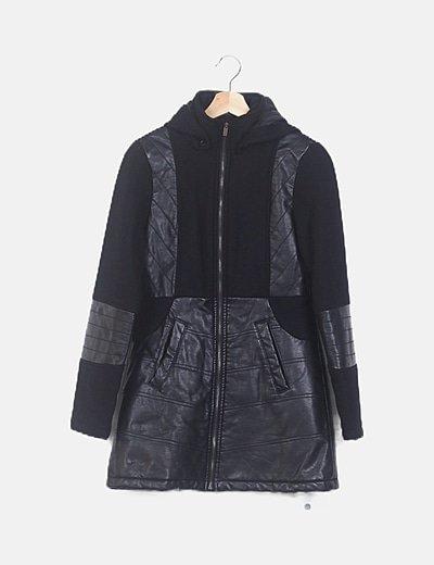 Abrigo negro combinado polipiel