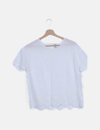 Blusa blanca detalle guipur