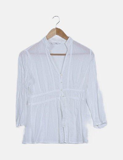 Camisa blanca de rayas detalle botones