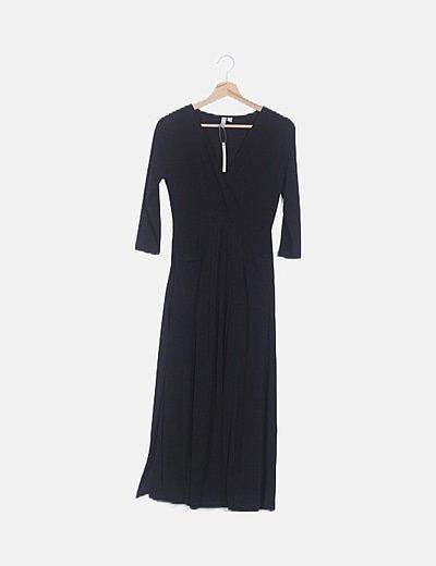 Vestido negro maxi con abertura