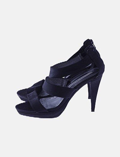 Stiletto negro con plataforma