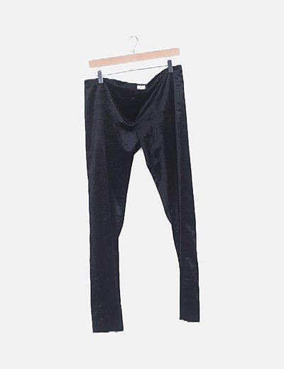 Pantalón terciopelo negro texturizado