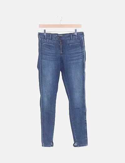 Jeans skinny básico detalle bolsillos