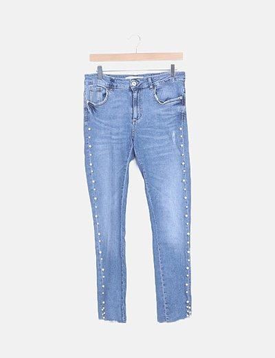 Jeans skinny detalle perlas