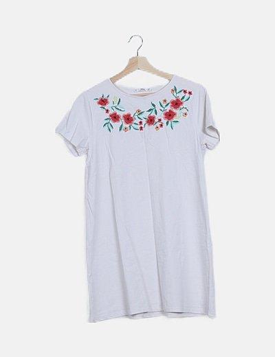 Vestido blanco bordado floral