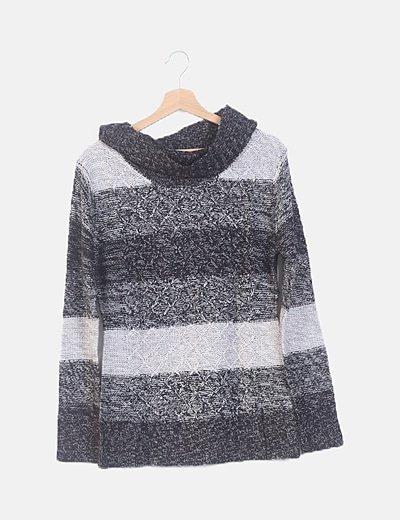 Jersey tricot negro cuello cisne
