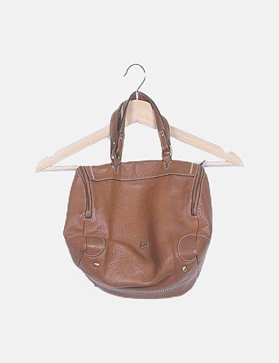 Bolso marrón texturizado