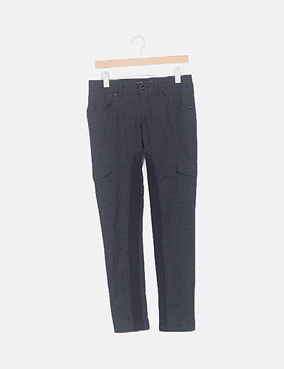 Pantalón gris cuadros
