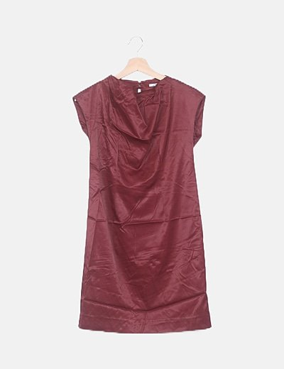 Vestido mini burdeos satén