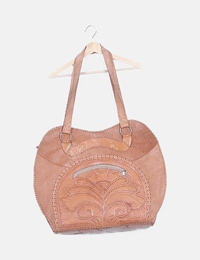 Maxi bolso cuero marrón texturizado floral