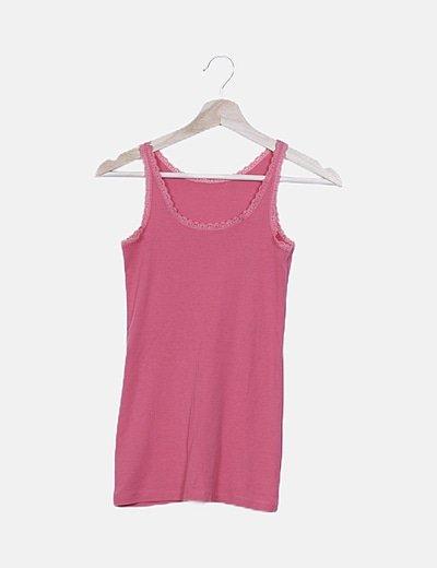 Camiseta rosa detalle encaje