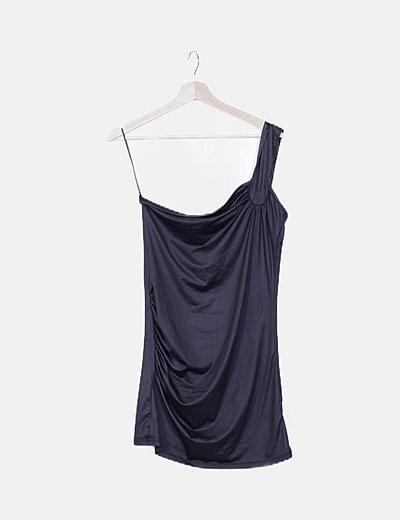 Vestido negro asimétrico
