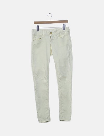 Jeans amarillo pastel