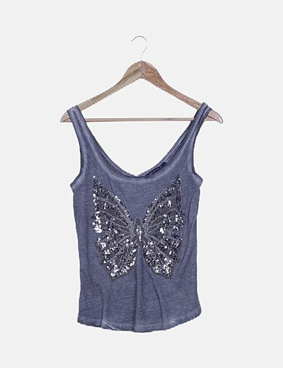 Camiseta gris efecto desteñido mariposa cuentas